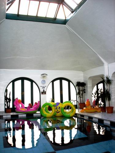 Inkerman Pool Swimming Pools Operation In Huddersfield The Sun