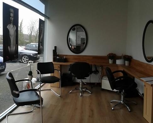 Silk nails hair beauty salon in glasgow beauty salons for Aaina beauty salon glasgow