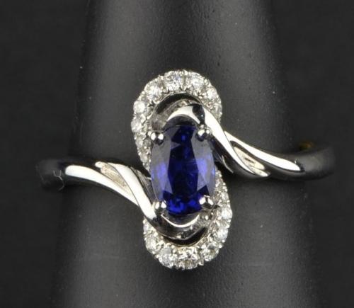 Sapphire Diamond 18 Ct White