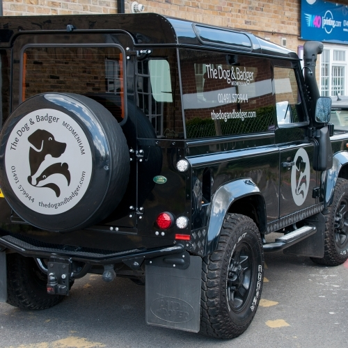 Dog And Badger Landrover Design, ArtworkGgraphics and Wrap-supply