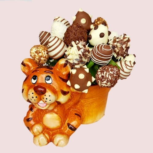 Tiger Chocolate Strawberry Bouquet