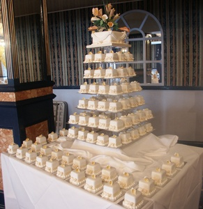 Annes Cakes For All Occasions Cake Makers In Sudbury