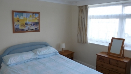 Double bedroom in 2 bedroom ground floor flat