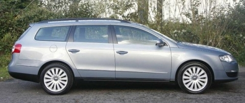 VW luxury Passat Estate 1-4 passengers 3 cases