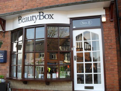 Beauty box beauty salons in birmingham for Hair salon birmingham