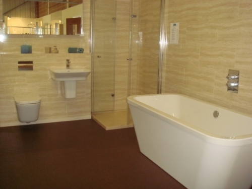 Showroom Display Bi-fold Shower Enclosure  Free Standing Bath  Wall Mounted Sink and WC
