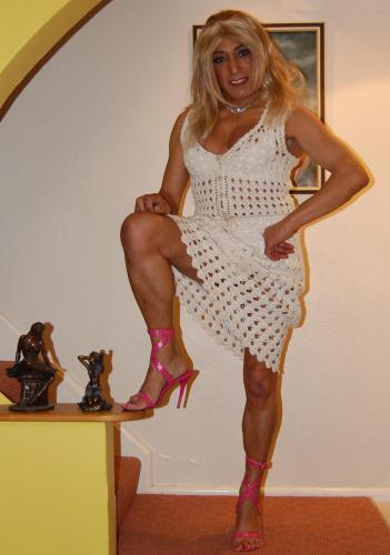 shemale mature escort girl dinan