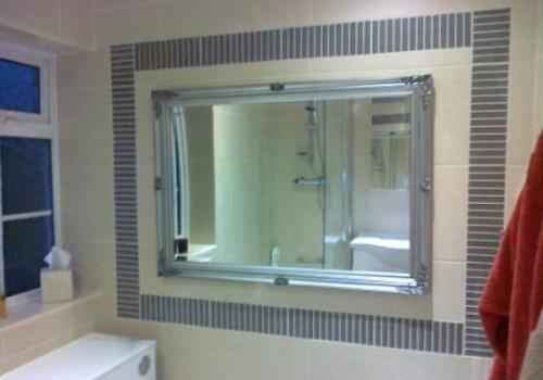 Tiling detail around mirror