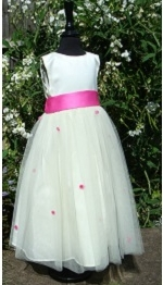 Small bridesmaid dress in satin with tulle skirt and ribbon roses