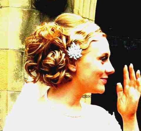 a little sample of one of my bridal hair up's, stunning vintage look