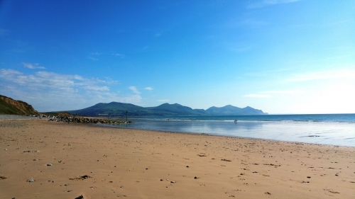 Dinas Dinlle beach, a short drive away