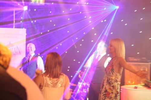 Retro Brothers Delighting The Audience At Ntertain Wedding Showcase Launch