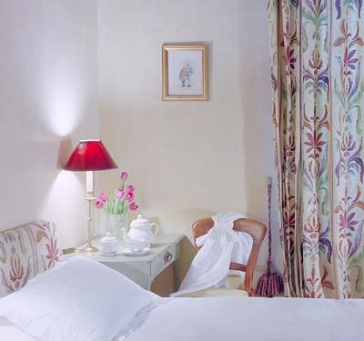 Twin room with shower and handbasin.  £90 per night including English breakfast.
