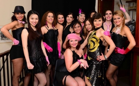 Inspiration 2 Dance performance team with Giulia and Viktoriya